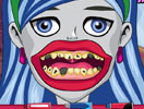 Ghoulia Yelps Bad Teeth